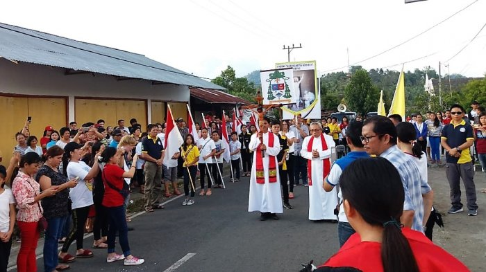 Salib Kusuma Youth Day 2018 Sudah Ada di Paroki Tompaso Baru