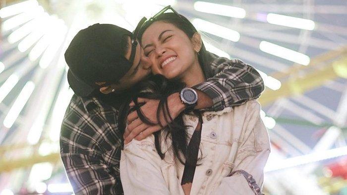 Salim Nauderer dan Rachel Vennya saat pacaran di Santa Monica, California, Amerika Serikat; foto diunggah di Instagram pada 17 September 2021.