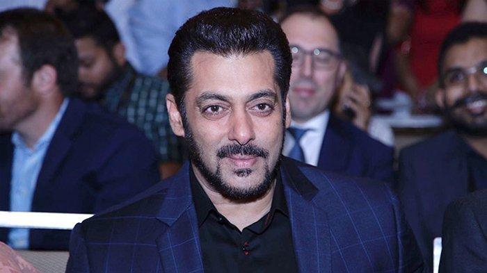 Video Viral, Salman Khan Ngamuk Rebut Ponsel Penggemar, Tolak Diajak Selfie saat di Bandara