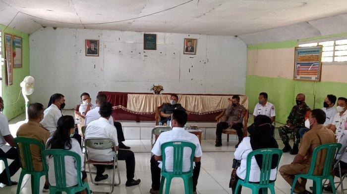 Bupati Boltim Sachrul Mamonto Berkantor di Kecamatan Modayag, Cari 4 Sangadi Tak Hadir
