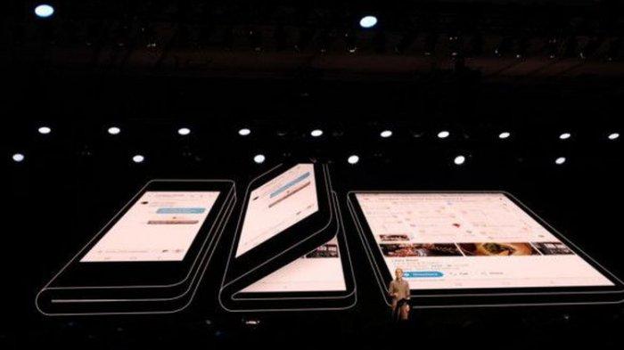Samsung Akan Produksi 1 Juta Smartphone Layar Lipat
