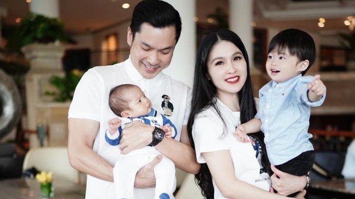 Lucunya Gaya Raphael Moeis Tirukan Cara Makan Youtuber, Sandra Dewi dan Harvey Moeis Ngakak
