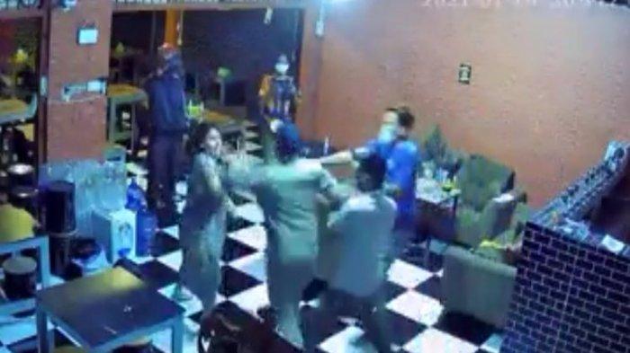 Sosok Mardani Hamdan Satpol PP yang Memukuli Wanita Hamil Pemilik Warung saat Razia PPKM Darurat