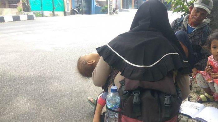 Satu Keluarga Mudik Jalan Kaki, Ayah Ibu dan Anak, Jateng ke Jabar: 'Hari Mulai Panas Kami Berteduh'