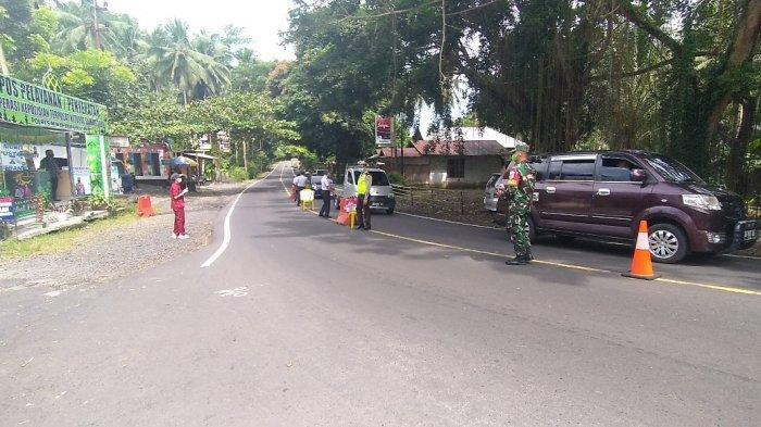Sejumlah penumpang kendaraan pribadi ditemukan langgar protokol kesehatan (prokes) di Pos Penyekatan Mudik Jembatan Marwasey, Kabupaten Minahasa Selatan (Minsel), Provinsi Sulawesi Utara (Sulut).