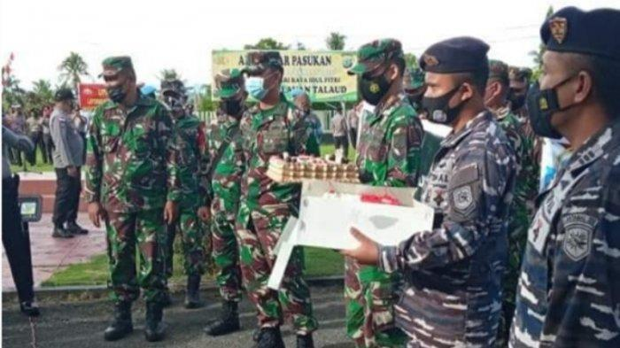Puluhan Anggota TNI AD & AL 'Serbu' Mapolres Talaud