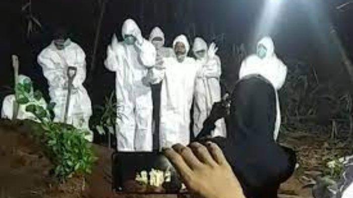 Sejumlah Relawan Pemakaman Jenazah Covid-19 Joget-joget di Pinggir Lubang Kuburan, Videonya Viral