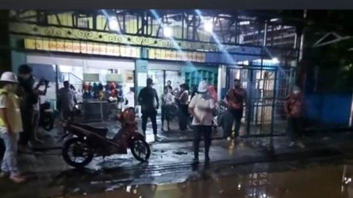 Banjir di Pusat Kota Bitung, Mocthar Terpaksa Tutup Rumah Makan