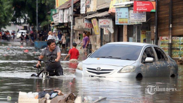 Basuki Soroti TerhambatnyaNormalisasi Sungai, Anies Baswedan:Kuncinya Ada pada Pengendalian Air