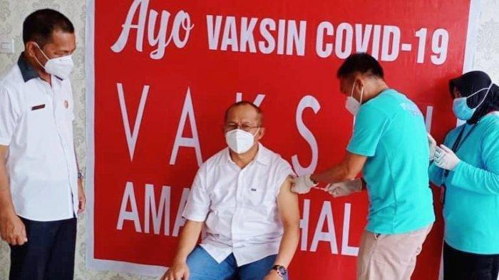 Ikuti Penyuntikan Vaksinasi Dosis Kedua, Sekda Bolmut Asripan Nani Ajak Masyarakat Disiplin Prokes