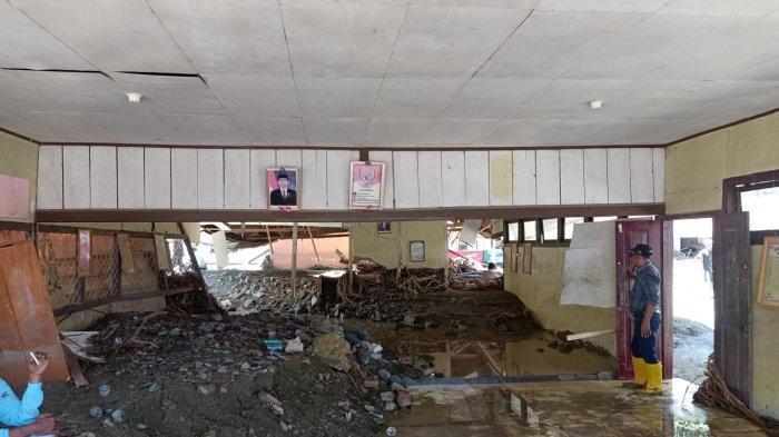Sekolah Dihantam Banjir, Siswa Batu Merah Bolmong Diliburkan Selama Dua Pekan