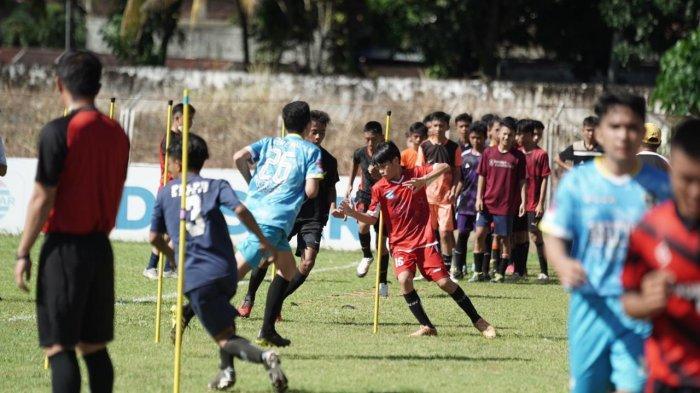 Ratusan Pesepak Bola Muda Ikut Seleksi Sulut United Football Academy