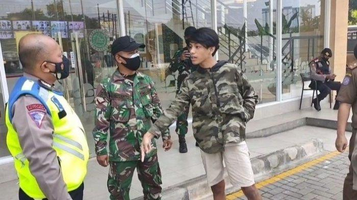 Pemuda Ngaku Ponakan Jenderal Bintang Dua Lawan Aparat saat Kena Razia Masker, Akhirnya Tak Berkutik