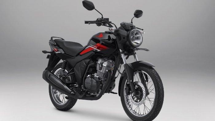 Sepeda motor naked sport New CB150 Verza  semakin macho dan gagah berkat desain dan stripe baru.