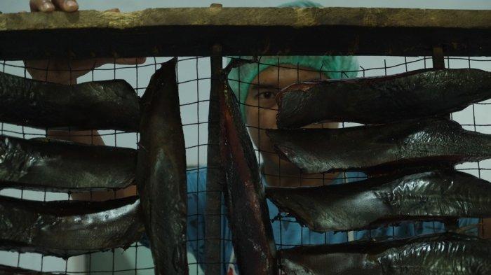 Servie Jualan Cakalang Fufu dengan Berbagai Inovasi, Meski Kondisi Pasar Lesu