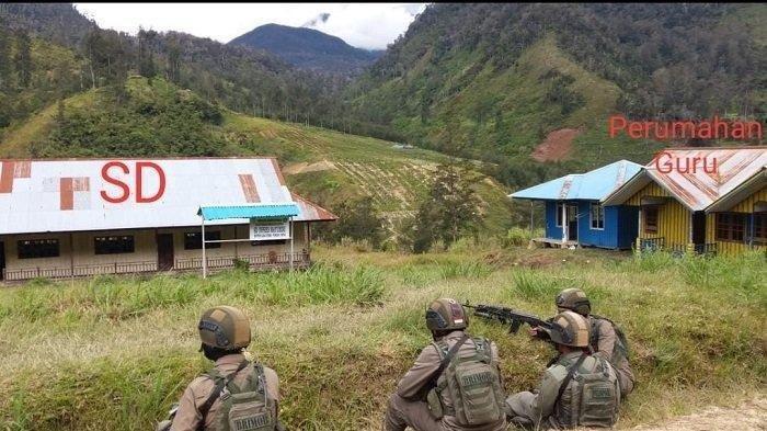Setelah Ditetapkan Sebagai Teroris, KKB Papua Bakar Puskesmas, Sekolah dan Rudis Guru, Ini Potretnya