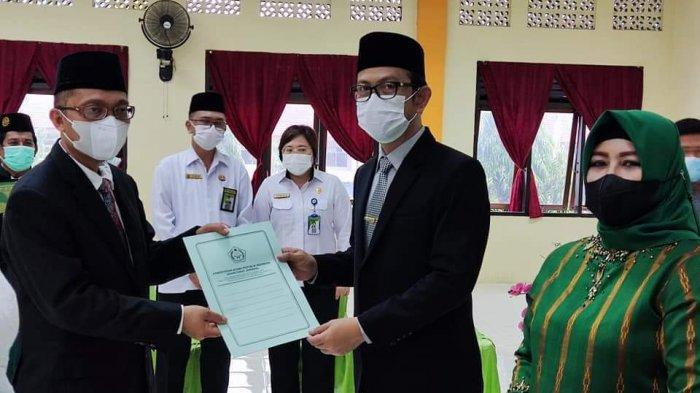Shabri Makmur Bora Resmi Jabat Kakan Kemenag Bolmong