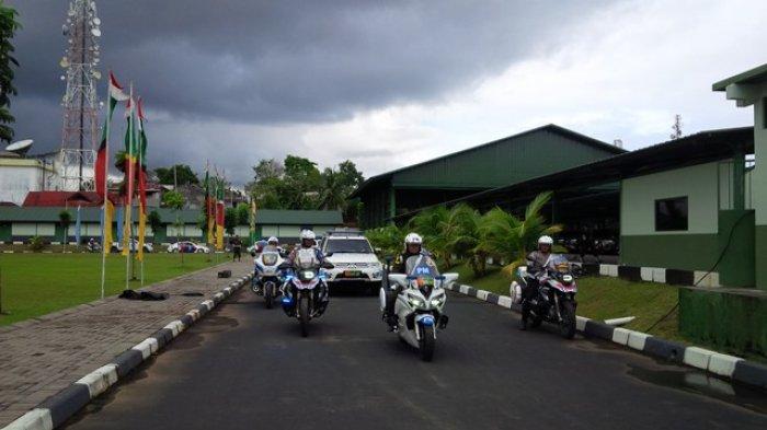 Kendaraan Patroli Gabungan TNI-Polri Show Force Keliling Kota