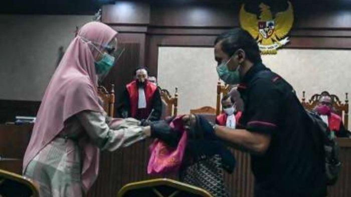 Putusan Hakim terkait vonis Jaksa Pinangki dikiritk Pakar Hukum Universitas Trisakti Abdul Fickar Hadjar.