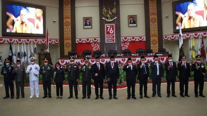 Jajaran Forkopimda Sulut hadir dalam Sidang paripurna DPRD Sulut mendengarkan pidato kenegaraan Presiden, Senin (16/8/2021).
