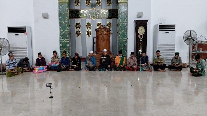 Sima'an Al-Qur'an dan Doa Tolak Balak Mengiringi Kegiatan Maulid Nabi Muhammad SAW di SULUT