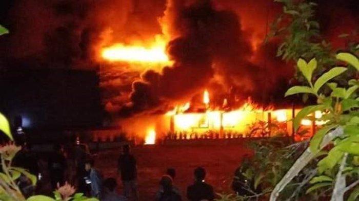 SMP Negeri 1 Motoling Terbakar, Penyebabnya Belum Diketahui