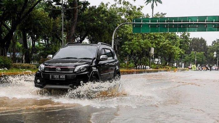 Soal Mobil Mesin Turbo Lebih Berisiko saat Terjang Banjir, Simak Penjelasan Pakar Berikut Ini!