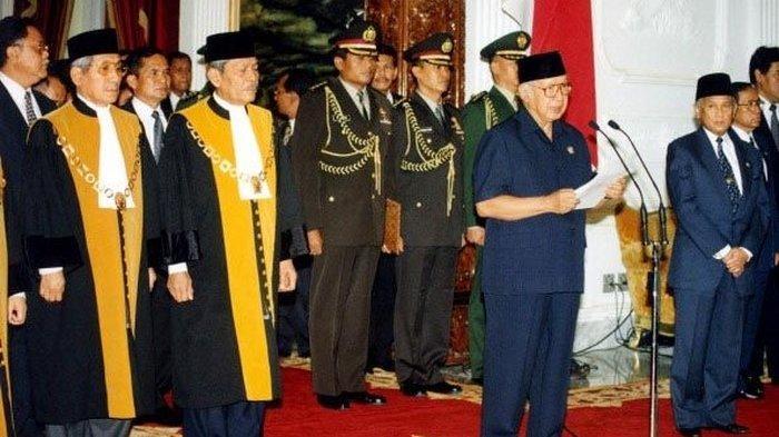 Cerita 21 Mei 1998, Soeharto: ''Saya Putuskan Berhenti dari Jabatan Presiden Republik Indonesia''