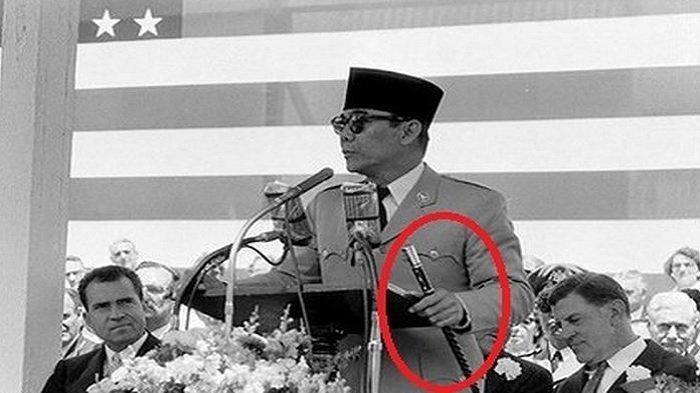Misteri Tongkat Bung Karno, Pengawal Presiden AS Tak Kuat Mengangkatnya, Tertinggal di Gedung Putih