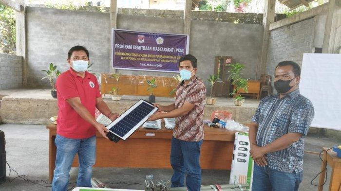 PKM Jurusan Teknik Mesin Polimdo Edukasi Listrik Tenaga Surya ke Masyarakat Pondos Minsel