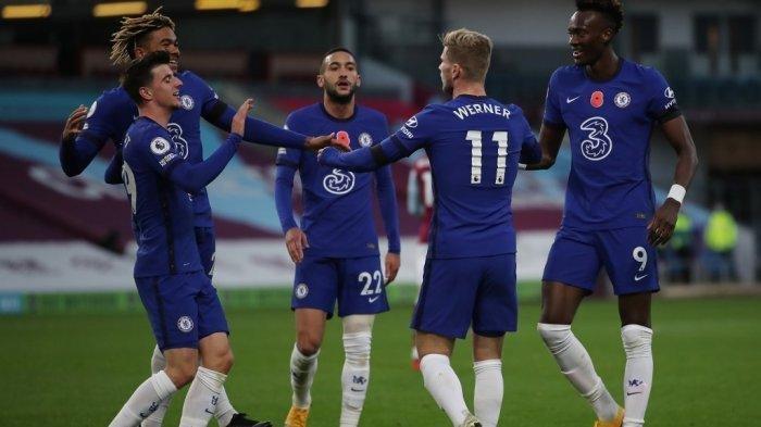 Striker Chelsea asal Jerman Timo Werner merayakan gol ketiga mereka selama pertandingan sepak bola Liga Premier Inggris antara Burnley dan Chelsea di Turf Moor di Burnley, Inggris barat laut pada 31 Oktober 2020.
