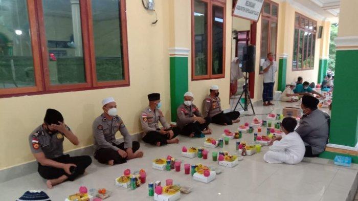 Buka Puasa Bersama, Kapolres Talaud Sampaikan Imbauan Kamtibmas di Masjid Jabal Rahma Melonguane
