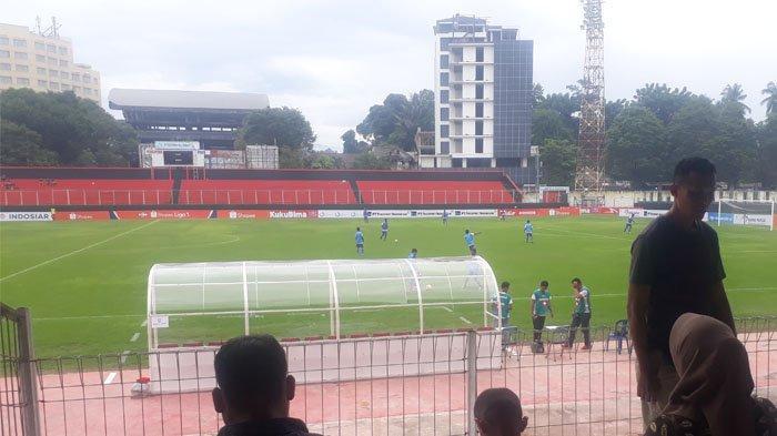 2 Tim Sepak Bola Dari Dua Daerah Bertanding di Manado, Skor 4-1