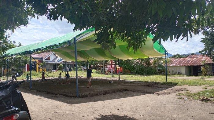 Suasana duka masih terlihat di rumah keluarga Gamri-Lomotu di Kelurahan Pobundayan, Kotamobagu Selatan,