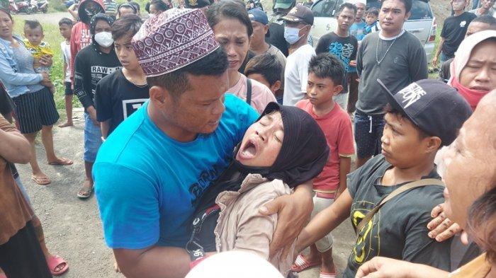Sira Poiyo Pemilik Cafe Madu, Protes Eksekusi Pengosongan Lahan