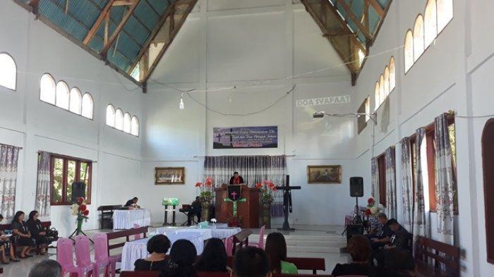 Ibadah Jumat Agung di Jemaat GMIBM Sentrum Molibagu Berlangsung Khusyuk