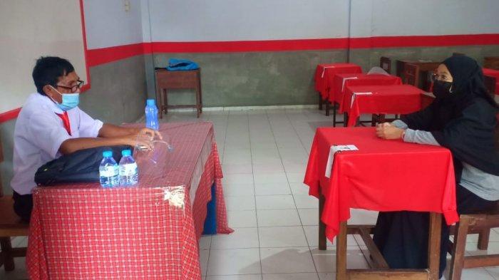 Suasana pelaskanaan wawancara tes rekrutmen Tenaga Harian Kepas (THL) yang berlangsung di Kota Bitung, Provinsi Sulawesi Utara.
