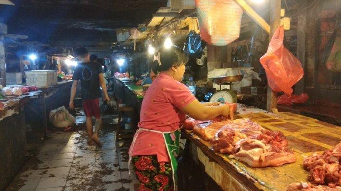 Pedagang Daging Babi di Manado Mengeluh Penjualan Menurun