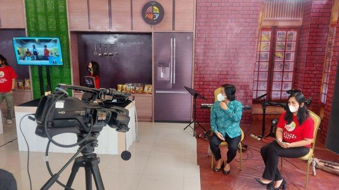 Ibu-Ibu di Bitung, Nonton Nur Asia Uno Istri Menparekraf RI Masak
