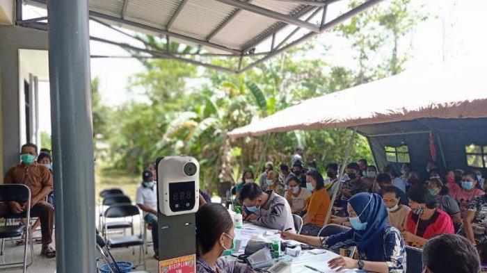 Warga Perbatasan NKRI Ikut Serbuan Vaksinasi Maritim dari Lanal Melonguane