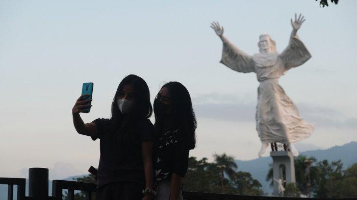 BERITA FOTO, Wisata Religi Monumen Yesus Memberkati