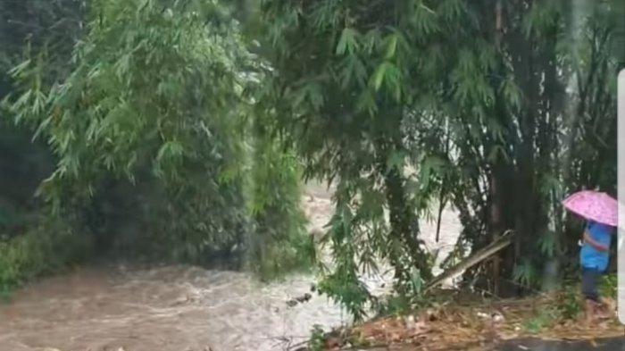 Hujan Deras Terpa Sulut, Sungai di Desa Kokole Satu Meluap