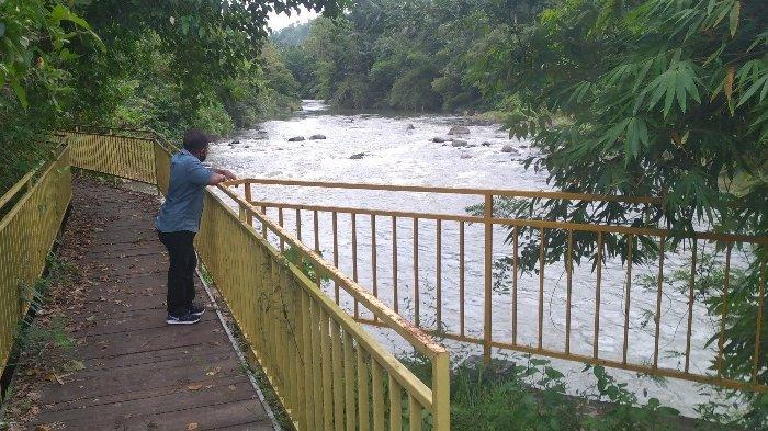Sungai Ranoyapo, Kelurahan Buyungon, tempat keberadaan buaya yang viral di medsos.