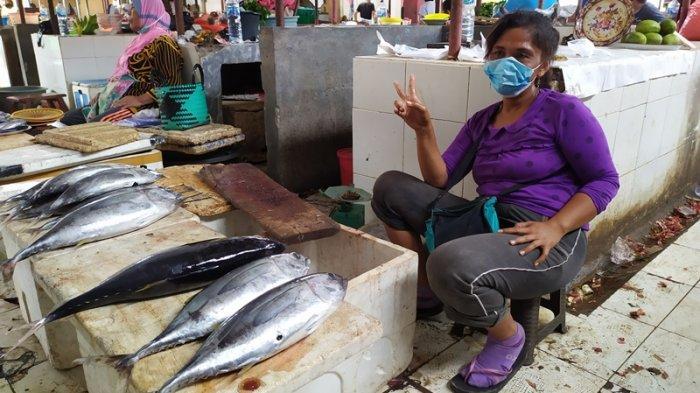 Pedagang Ikan di Pasar Ratahan Kabupaten Mitra Mengaku Merugi hingga Jutaan Rupiah Akibat PPKM