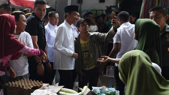 Mendadak Jokowi Cek Harga di Pasar: Temukan Harga Beras Naik Sedikit