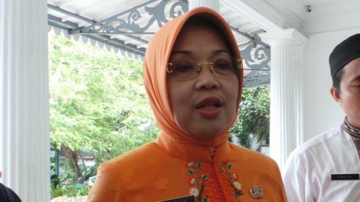 Lawan Ahok di Pilkada DKI Kritik Pemerintah, Mpok Sylvi: Kebutuhan Hidup Masyarakat Menipis