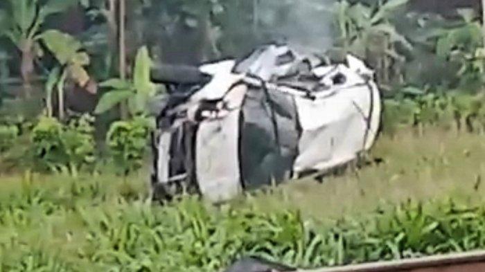 Kecelakaan Maut Pukul 06.45 WIB, Seorang Penumpang Tewas, Mobil BR-V Tertabrak Kereta Api Parcel