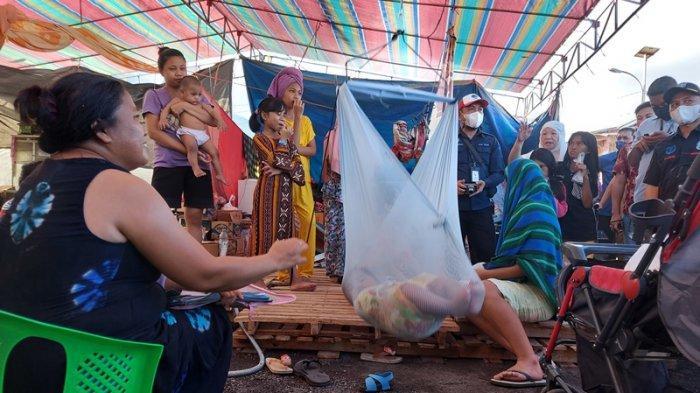 Seorang Perempuan Penyintas Kebakaran Pasar Tua Mengaku Tak Pernah Dapat Masker