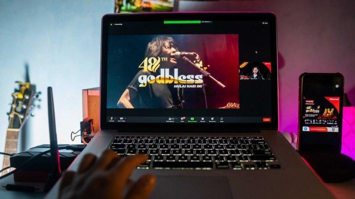 Telkomsel Hadirkan Keseruan Konser Virtual Godbless 48th Anniversary di MAXstream