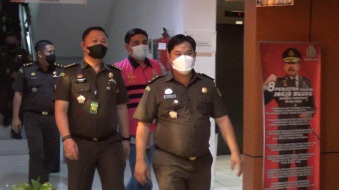 Tersangka Pemecah Ombak Minut, AMP, Diserahkan ke Jaksa Penuntut Umum